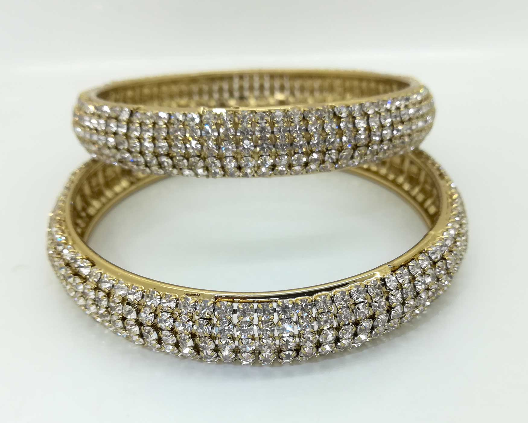 diamante bangle set in silver