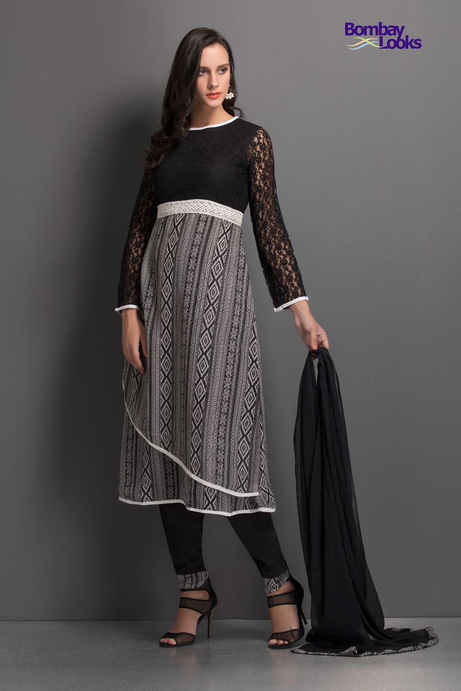 Gogeous abstract printed dress in black with lacey sleeves