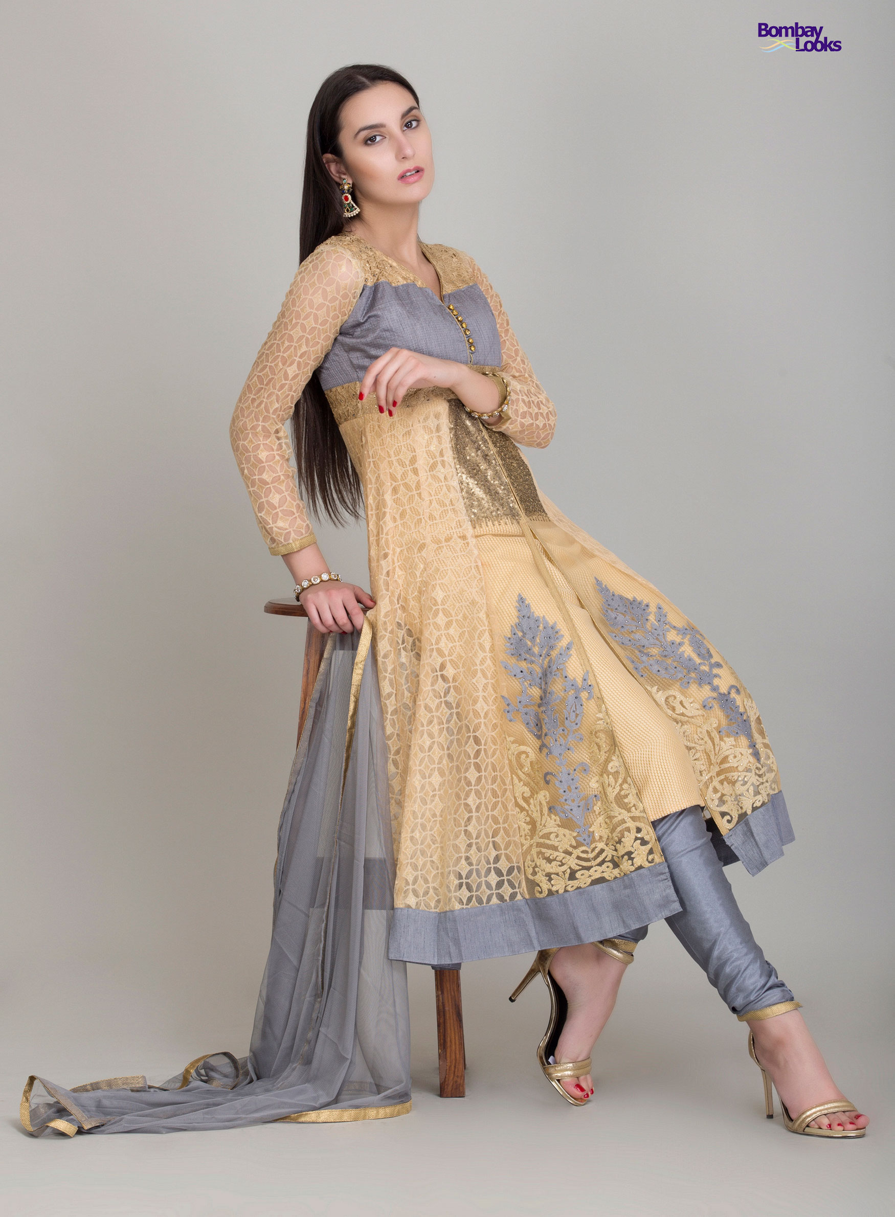Stunning kalidaar suit with exquisite thread work in grey and beige