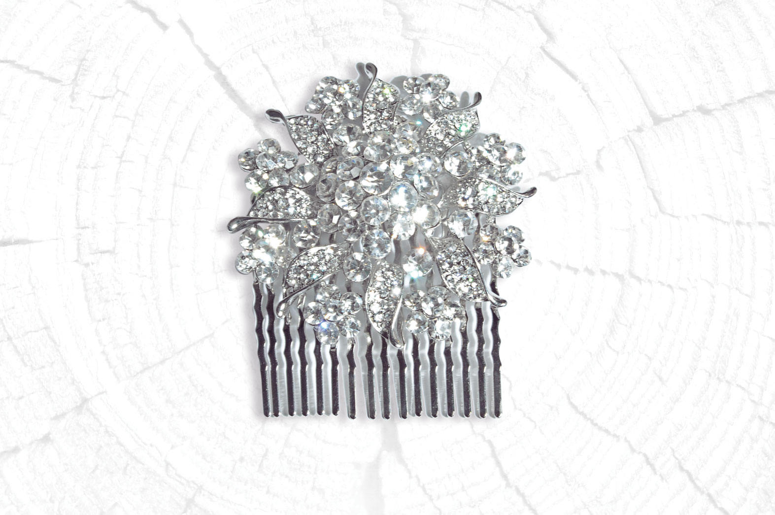 Gorgeous rhodium finished floral diamante hair comb