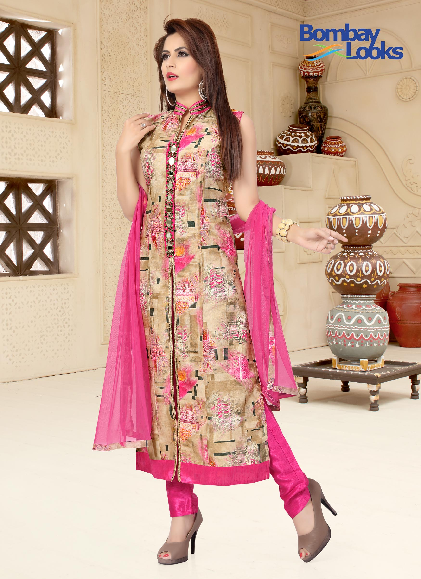 Print Suit With Side Slits And Mirror Embroidery